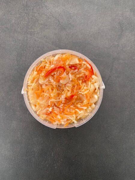 Svaigu kāpostu - paprikas salāti